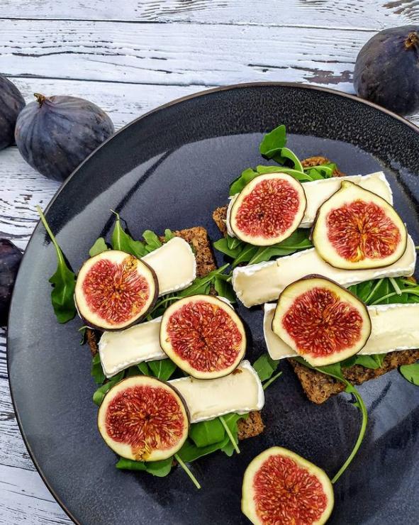 kanapki z figa kanapaczki z figa i serem figa i orzechy figa i miód