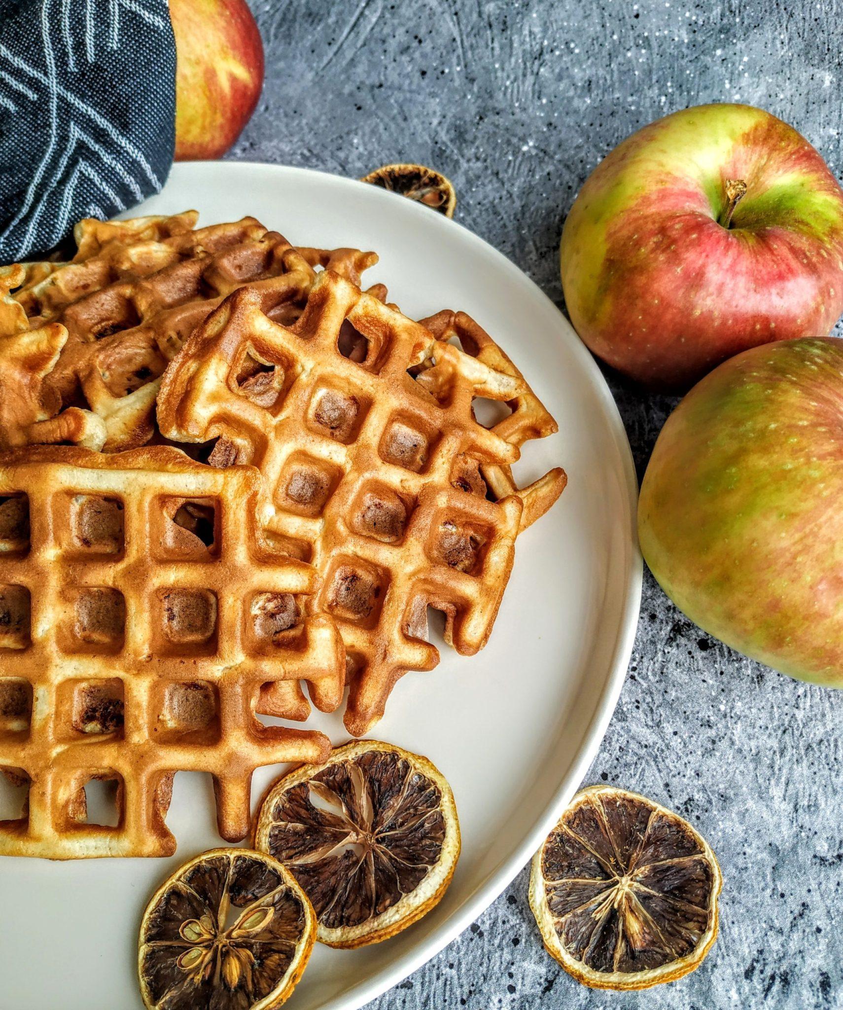 gofry, racuchy, placuszki, placki, gofry jabłkowe, racuchy z jabłkiem, placki z jabłkiem, śniadanie, zdrowe śniadanie
