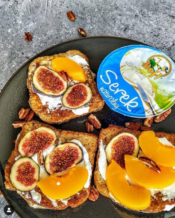 tosty, tosty francuskie na słodko, przepisy na tosty francuskie, fit słodycze, fit śniadania, zdrowe śniadanie
